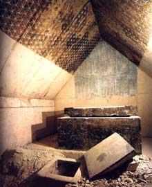 Saqqara: Pyramide de Merenré (2283 à 2278), le successeur de Pépi I. Salle sépulcrale. (Site Egypte antique)