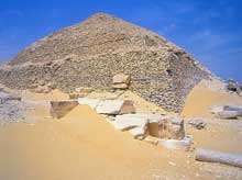 La pyramide de Pépi II Neferkarê (2247-2153) à Saqqara sud. (Site Egypte antique)