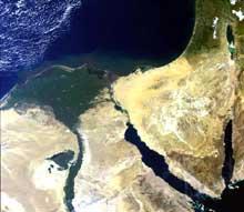 Egypte: Photo satellitaire du Delta, de la Basse Egypte et du désert du Sinaï. (Site Egypte antique)