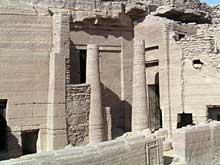 Assouan: tombe des nomarques: tombe 35 d'Heqa Ib, gouverneur d'Éléphantine sous le règne de Pépi II (VIè dyn.) et ses successeurs (Site Egypte antique)