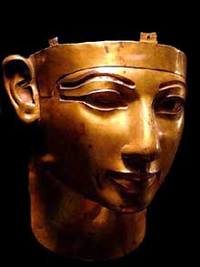 Masque mortuaire de SheshonkII découvert à Tanis par Pierre Monet. Musée du Caire. (Histoire de l'Egypte ancienne)