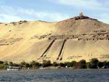 Assouan, les tombes.  (Site Egypte antique)