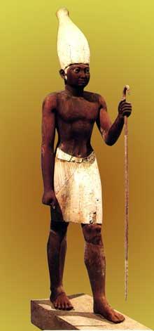 Statue de Sésostris I coiffé de la couronne du sud provenant de Lisht. Bois stuqué, 56,7cm. Musée du Caire. (Site Egypte antique)