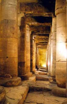Abydos: le temple funéraire de Séti I (XIXè dynastie, 1294-1279). (Site Egypte antique)