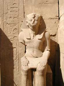 Karnak : le grand temple d'Amon.  (Site Egypte antique)
