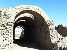 Louxor: le Ramesseum. Les magasins voûtés. (Site Egypte antique)