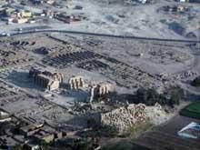 Louxor: le Ramesseum. Vue générale. (Site Egypte antique)