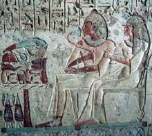 El Kab en Nubie: bas relief peint du tombeau de Setaou. (Site Egypte antique)
