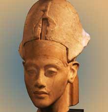 Buste d'Akhenaton – Aménophis IV. (XVIIIè dynastie, 1379 – 1362).  (Site Egypte antique)