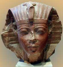 Tête de sphinx, sans doute le roi Aménophis II. XVIIIème dynastie. Quartzite. Musée du Louvre. (Site Egypte antique)