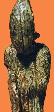 Egypte, culture de Nagada III: statuette en ivoire d'Abydos. (Site Egypte antique)