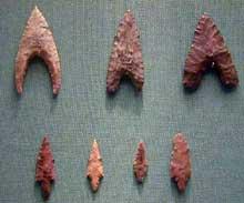 Egypte préhistorique: pointes de flèches. Culture du Fayoum, Vè millénaire. (Site Egypte antique)