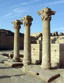 Dendérah: le temple d'Hator. Colonnes romaines. (Site Egypte antique)