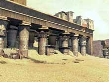 Edfou: le temple dédié à Horus: le portique d'après un dessin du XIXè. (Site Egypte antique)