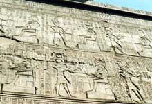 Esna : le temple de Khnoum et de Neith : fresque. (Site Egypte antique)