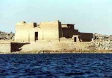 Kalabsha: le sanctuaire avec le temple de Mandoulis. (Site Egypte antique)