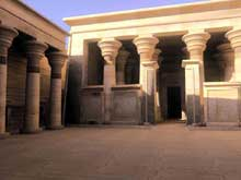 Kalabsha : le temple de Mandoulis, la cour. (Site Egypte antique)