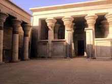 Kalabsha: le temple de Mandoulis, la cour. (Site Egypte antique)