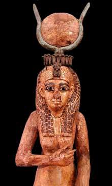 La déesse Isis. Tamaris doré, Incrustations de bronze et de verre. Epoque ptolémaïque. Musée du Louvre. (Histoire de l'Egypte ancienne)