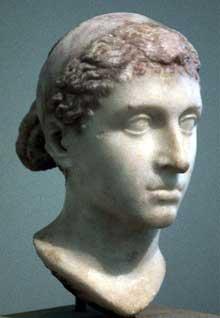 Buste de CléopâtreVII. (Histoire de l'Egypte ancienne)
