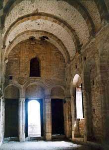 Santa Maria del Naranco: la salle supérieure. Vers 845