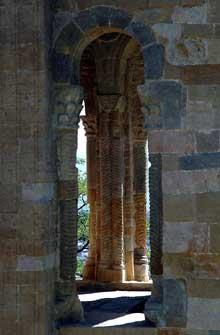 Santa Maria del Naranco. Vers 845