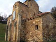 San Miguel de Lillo sur le mont Naranco: l'église. Vers 848