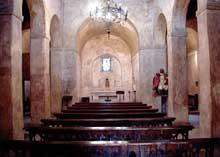 San Pedro de Nora: l'église. Epoque d'AlphonseII. L'intérieur