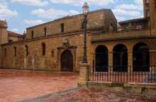 San Tirso près d'Oviedo. L'église. Epoque d'AlphonseII. Vue générale