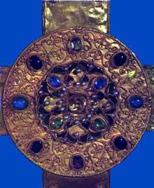 La croix de la Victoire. Règne d'AlphonseIII. Détail du médaillon central de la face arrière. 908. Cathédrale d'Oviedo, Camara Santa