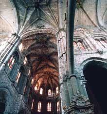 Avila, la cathédrale. Nef et croisée