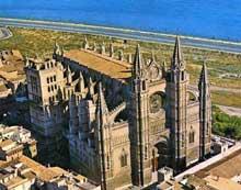 Palma de Majorque: la cathédrale. Vue générale
