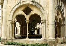 Poblet, l'abbaye. Le cloître
