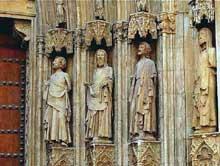 Valencia: la cathédrale. Détail du portail
