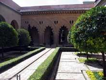 Faraig de Gali: le palais de l'Aljaféria près de Saragosse. On doit à cet architecte les aménagements du XVè siècle en style mudéjar