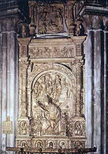 Vasco de la Zarza : tombe de Don Alonso de Madrigal ; 1518. Marbre. Cathédrale d'Avila