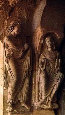 Avila: basilique San Vicente: l'annonciation: piédroit du portail sud. Vers 1190
