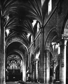 Jaca: la cathédrale San Pedro. La nef