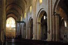 Poblet: l'abbaye cistercienne. XIIè. La nef de l'abbatiale
