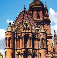 Salamanque�: ��tour du coq�� de la vieille cath�drale, influenc�e par la tour de Zamora