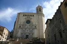 Gérone: façade de la cathédrale