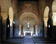 San Juan Bautista de Baños (Province de Palencia). La nef et l'abside
