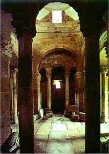 Sao Frutuoso de Montelios près de Braga: église wisigothe, VIIè siècle. L'intérieur