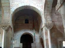 San Pedro de la Nave (Province de Zamora). Le sanctuaire wisigoth. VIIè siècle. Le transept