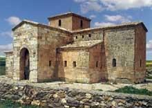 San Pedro de la Nave (Province de Zamora). Le sanctuaire wisigoth. VIIè siècle. Vue générale
