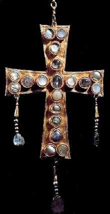 Trésor wisigoth de Guarrazar: croix votive, vers 670. Madrid, musée archéologique national
