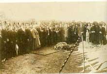 Ligne de chemin de fer Berlin-Bagdad: premier coup de pioche de la ligne Konya-Bagdad (3200km) en 1903