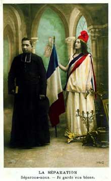 1905: loi de la séparation de l'Eglise et de l'Etat. Carte postale idyllique de l'époque