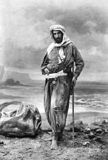 Pierre Paul François Camille Savorgnan de Brazza (né à Rome le 26 janvier 1852, décédé à Dakar le 14 septembre 1905). Photographie de Nadar