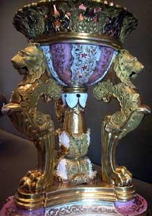 Jacob Petit: brûle parfum. 1834. Paris, Musée du Louvre